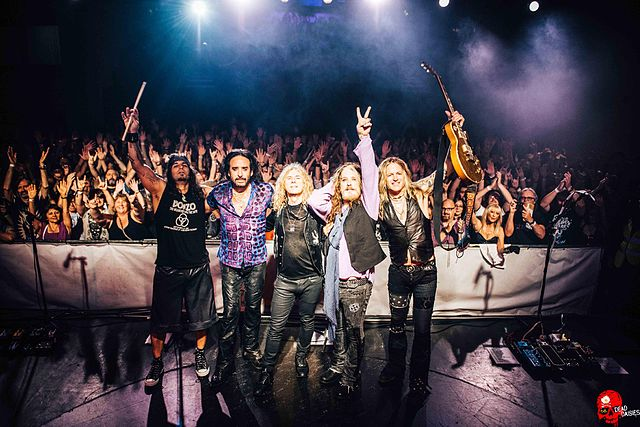 The Dead Daisies on tour in 2016